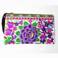 Bohemian White Floral Embrodiery Clutch
