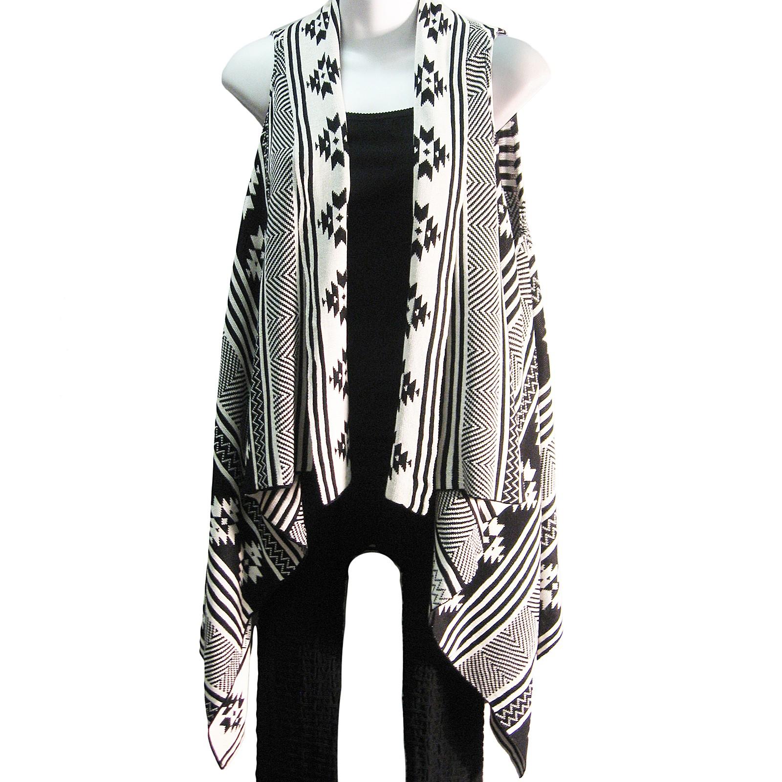 Black and White Geometric Print Sleeveless Sweater Tunic