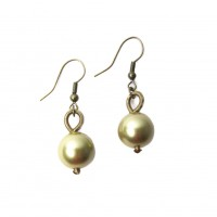 LUSTROUS GOLD FRESH WATER PEARL PIANO WIRE EARRING