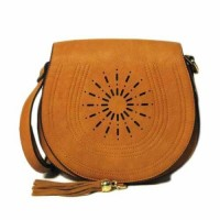 BROWN SADDLE TASSEL CUT OUT CROSSBODY HANDBAG